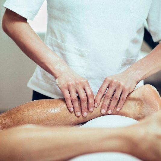 Tensão músculos e massagem desportiva